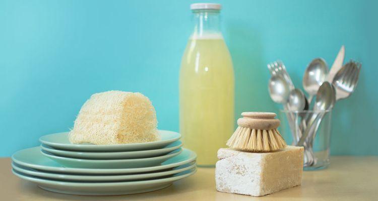 cepillo lavavajillas madera sostenible